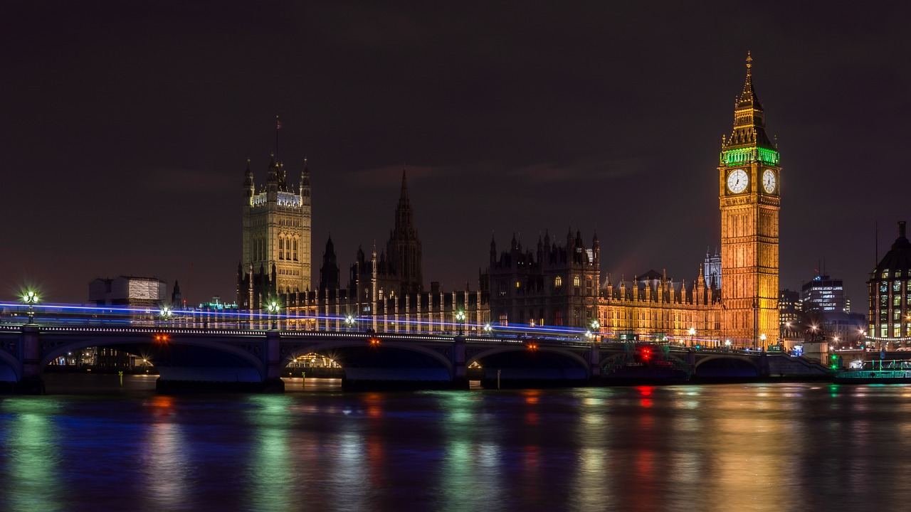 London Parliament Buildings at night